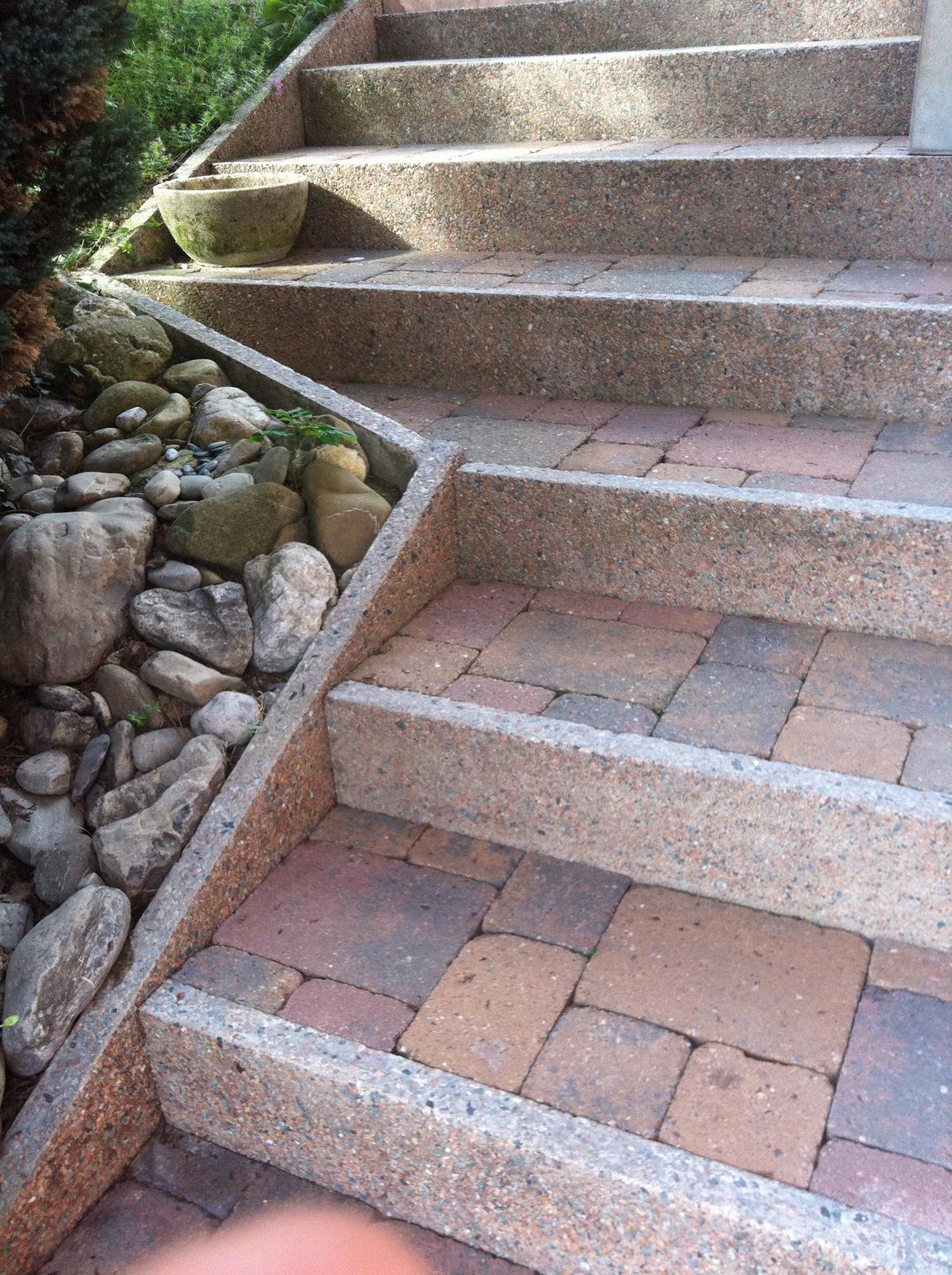 Carreleur annemasse terrasse exterieures sous bassement for Placage pierre exterieur
